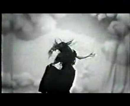 queen-adreena-taxidermy-video-jevasdeaddoll