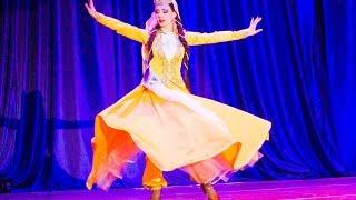 """Azerbaijani dance Sari Gelin. """"Golden-haired bride"""""""