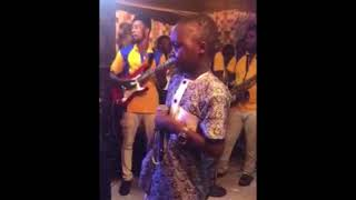 Check out Osupa kekere Ajani Suskido on stage with Saheed Osupa PLZ SUBSCRIBE