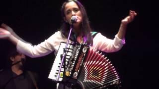 Julieta Venegas - Sin Documentos [Video HD]