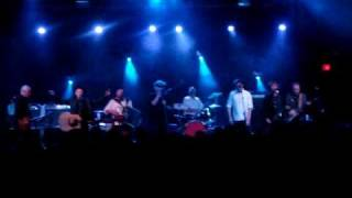 "The Pogues live - ""The Broad Majestic Shannon"""