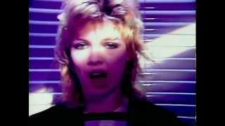 Kim Wilde - Kids In America (Official Music Video)