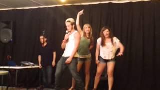Crazy cowboy karaoke!!