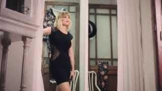 "Emma e Line Italia: 30"" spot TV - fitting room"