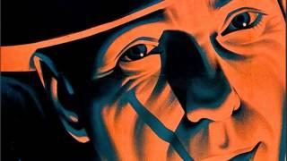 "Dead Combo - ""Mr. Leone"" do disco ""Lusitânia Playboys"" (2008)"