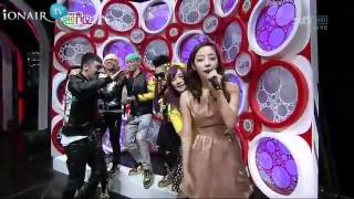 Taeyang abraça IU no Inkigayo! [11/03/12]