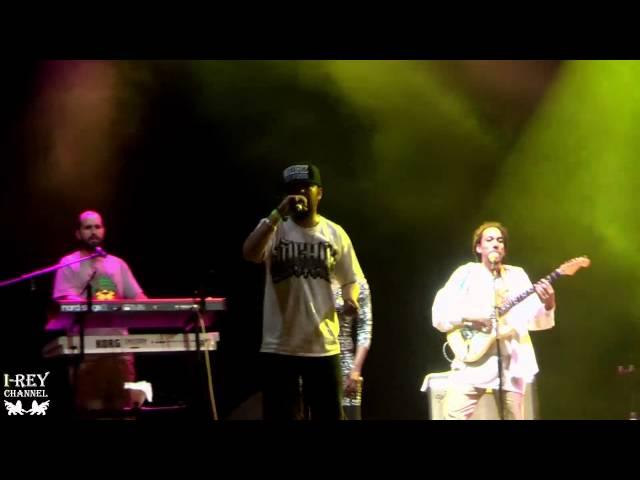 Vídeo de un concierto de Okoumé Lions y Morodo en un concierto.