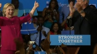 Clinton Keeps Stay-the-Course Strategy