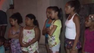 Preparativos das escolas de samba mirins Maestro Athaíde e Vila do Carmo