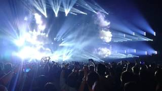 Dimitri Vegas & Like Mike - Bringing the Madness - Steve Angello entrance