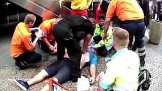 MPP: Strážníci v Praze pomáhali resuscitovat muže po kolapsu