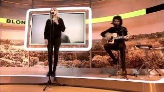 """Blondino interprète """"Oslo"""" en direct dans l'émission """"la voix est libre"""""""