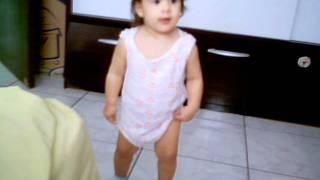 Sofia dançando funk parte 2