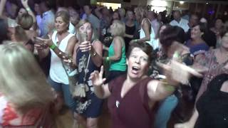 'LIVE IT UP' - - MENTAL AS ANYTHING - in YAMBA !