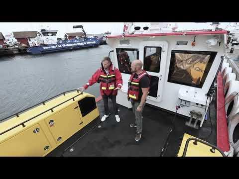 Sjöräddningssällskapet: Öppen båt på Hallberg Rassy - klassen