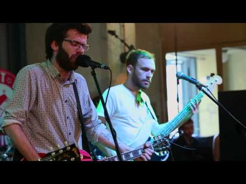robin-and-the-backstabbers-sat-dupa-sat-guerrilive-radio-session-grolschro