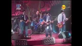 AWIT NG BARKADA (Live) [Itchyworm].avi