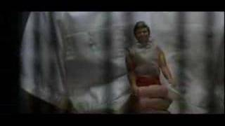 Steve Buscemi canta l'intero mondo