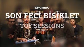Son Feci Bisiklet - Feel Good Inc. [Gorillaz Cover] / #akustikhane Toy Sessions