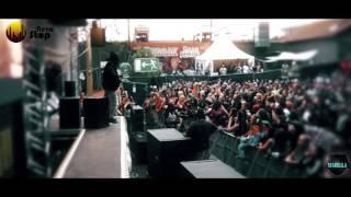 A fan sings Bob Marley with Turbulence / Reggae Jam Festival 2016 / NevaStop & Team Makoula Prod
