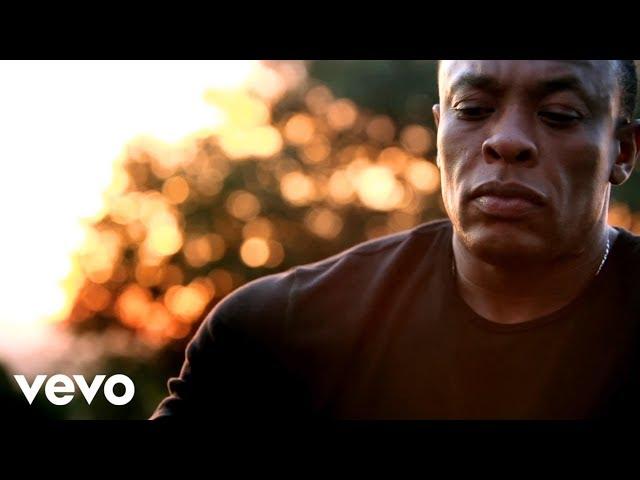 Videoclip oficial de 'I Need A Doctor', de Dr. Dre, Eminem y Skylar Grey.