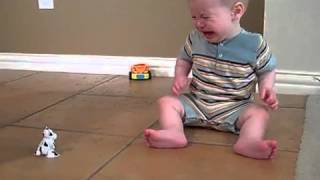 small baby crying to see toy acting.flv