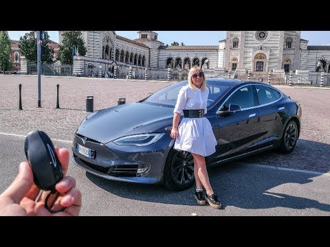 My Girlfriend Reacts to the Tesla Model S 100D! ? [Sub ENG]
