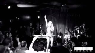 Debi Nova-  One Rhythm (en Vivo-Live)