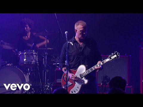 queens-of-the-stone-age-smooth-sailing-live-on-letterman-queensstoneagevevo