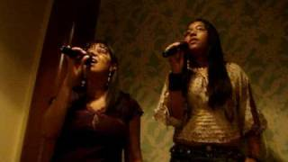 Karaoke-Lia e Suemmy
