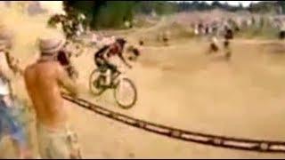 BMX rider's daring overtake using a wall