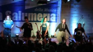 Cimorelli live in Milan - Cold Water/Let Me Love You