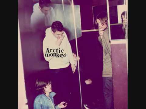 arctic-monkeys-fire-and-the-thud-humbug-darkmidnight66