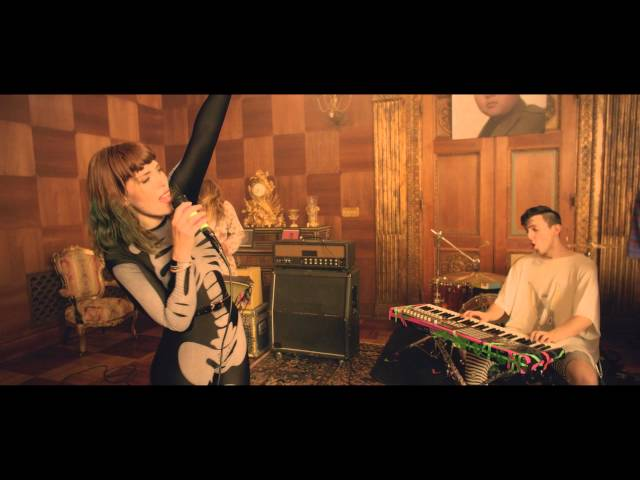 Video oficial de Ways to go de Grouplove