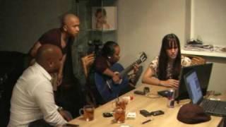 Valerie - Amy Winehouse  (Marlboro Unplugged)