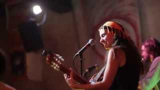 Lili baba - El Tren Groc (Live au Portail à Roulettes )