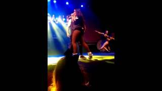 Chá da Anitta - Ta Na Mira - Net Live Brasilia 01/08/15