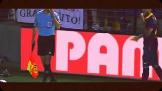 Dani Alves EATS BANANA thrown from public Villareal vs Barcelona 27/07/2014
