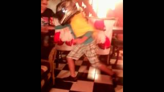Yo y mi peleando en pleno baile Nicolás pineda ft