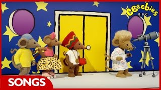 CBeebies Songs | Yo! Scratchy | Twinkle Twinkle Little Star Rhyme