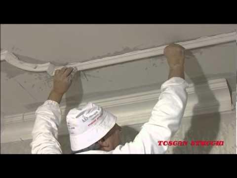Come attaccare le cornici tra il soffitto e le pareti for Cornici polistirolo
