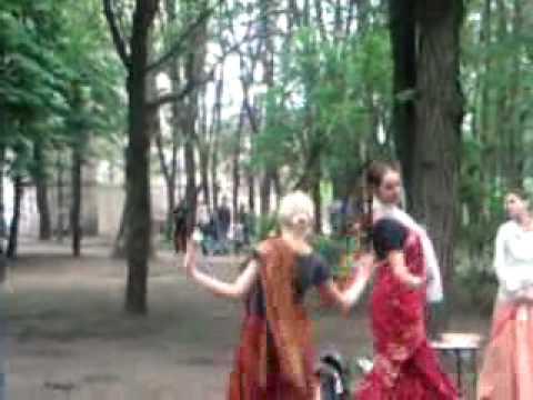 unbelieveable…….indian culture in ukraine hare rema hare krishna hindi