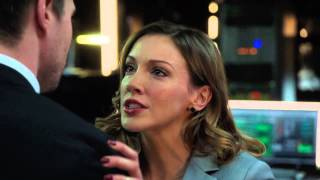 """Arrow - 2x21 - Laurel and Oliver """"The City needs the Arrow!"""""""