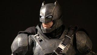 DC Collectibles - Batman v Superman: Dawn of Justice - Armored Batman Statue