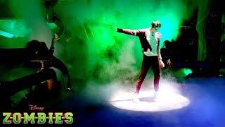 🎉 Trailer #1 🎬   ZOMBIES 😱   Disney Channel