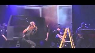 Rihanna - Bitch Better Have My Money (Live On SNL)