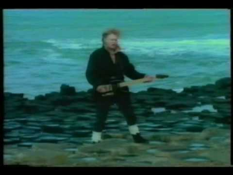 The More You Live The More You Love de Flock Of Seagulls Letra y Video
