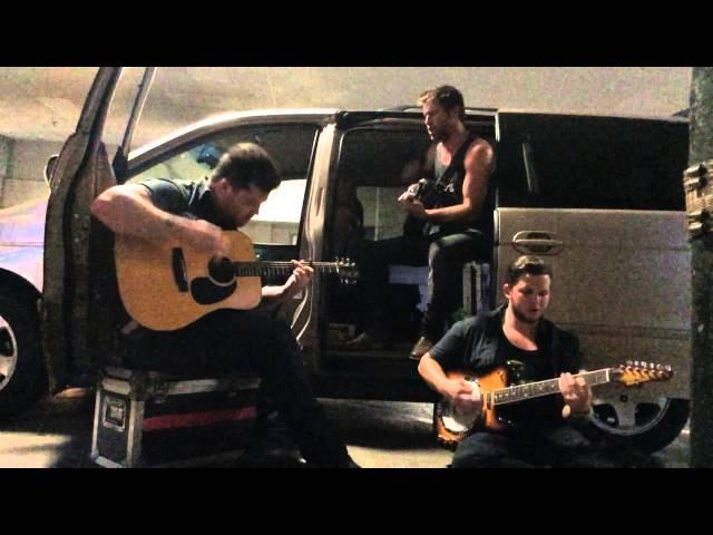 Vídeo de la canción Love you like that en acústico de Canaan Smith
