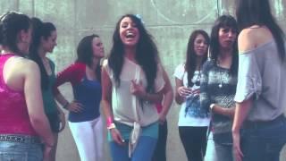 Maki - Vuelvo a ser niña Con Lamorena (Videoclip Oficial)