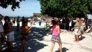Canto do Forte, marchinhas de carnaval com as Ondinas.